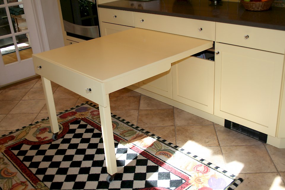 A pull out table for extra space.