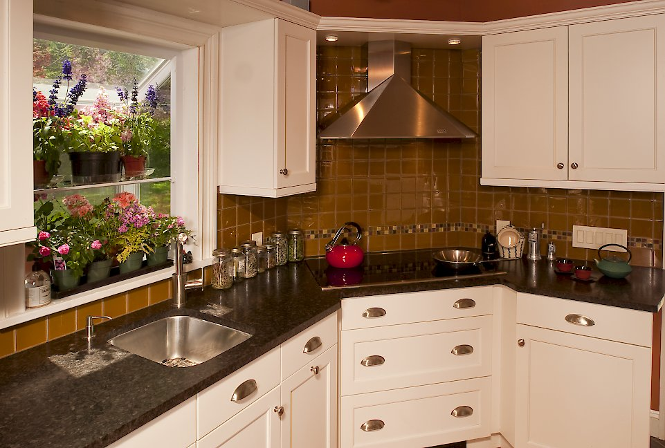 A Modern Mix Categorized Under Transitional Kitchen Portfolio