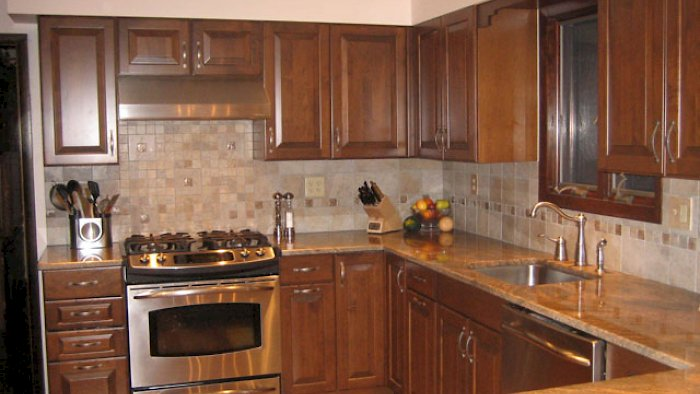 Nut brown kitchen with the Winfield Raised Square door style.