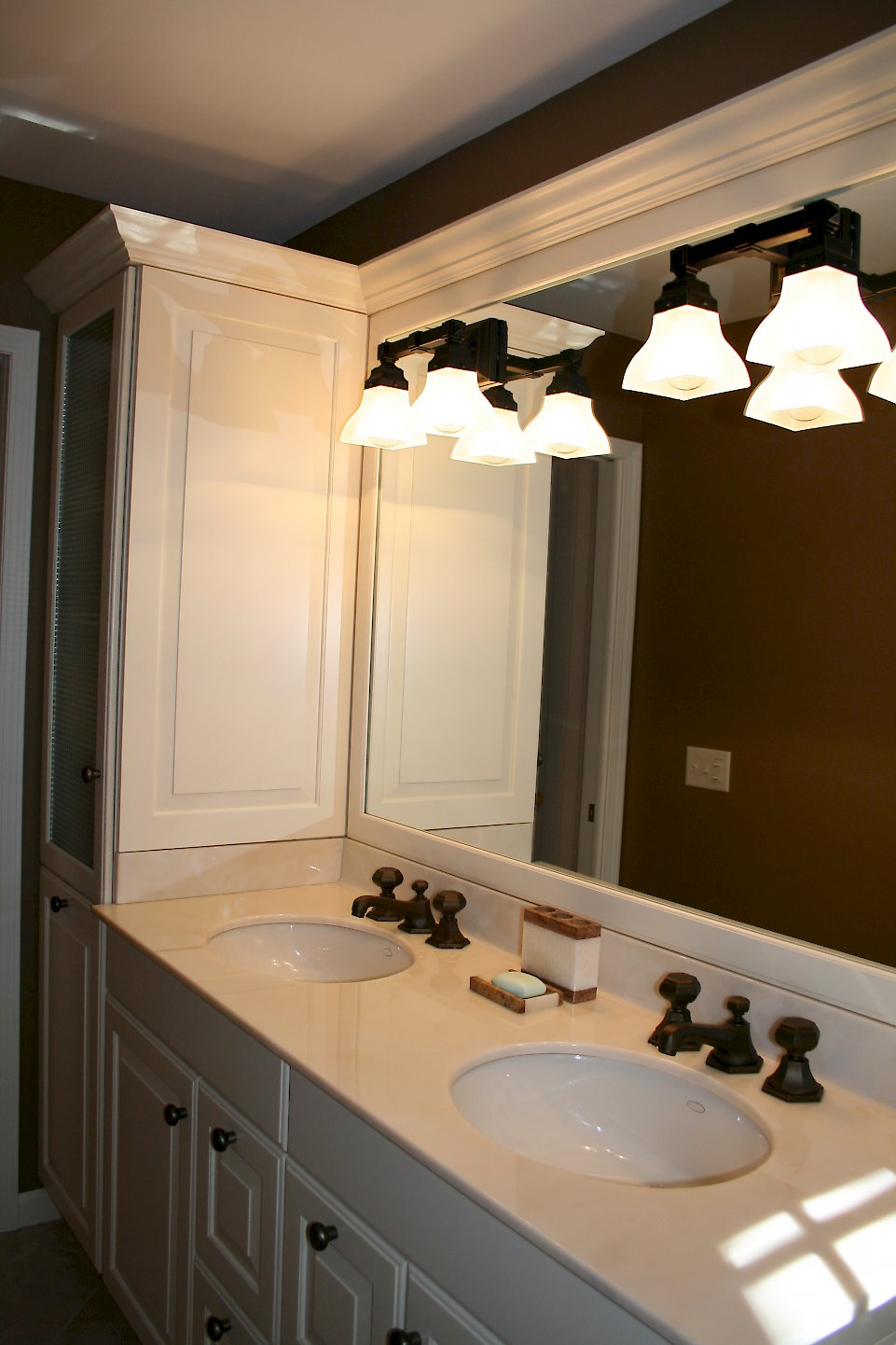 Double bowl vanity with undermount sinks.